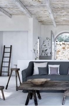 Wit witter witst interieur mart 39 s blog for Ibiza classic house
